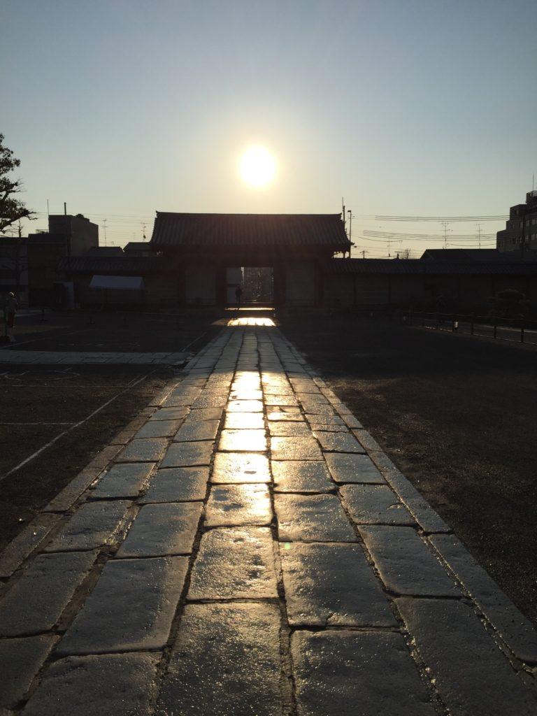 京都 京都の骨董市 東寺「弘法市」