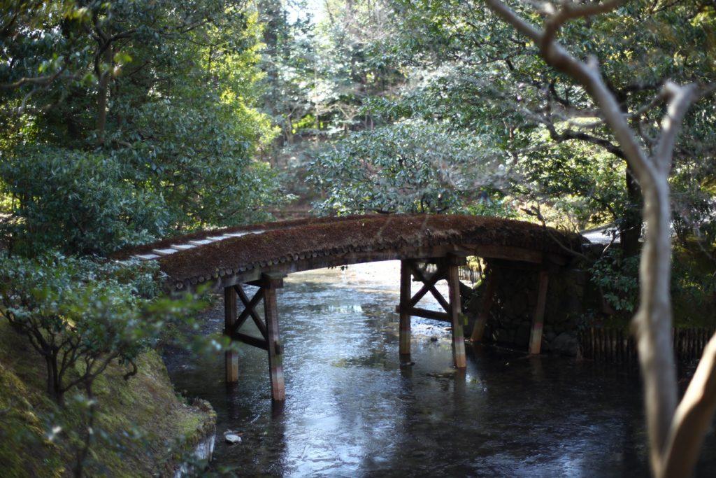 賞花亭に向かう途中の橋